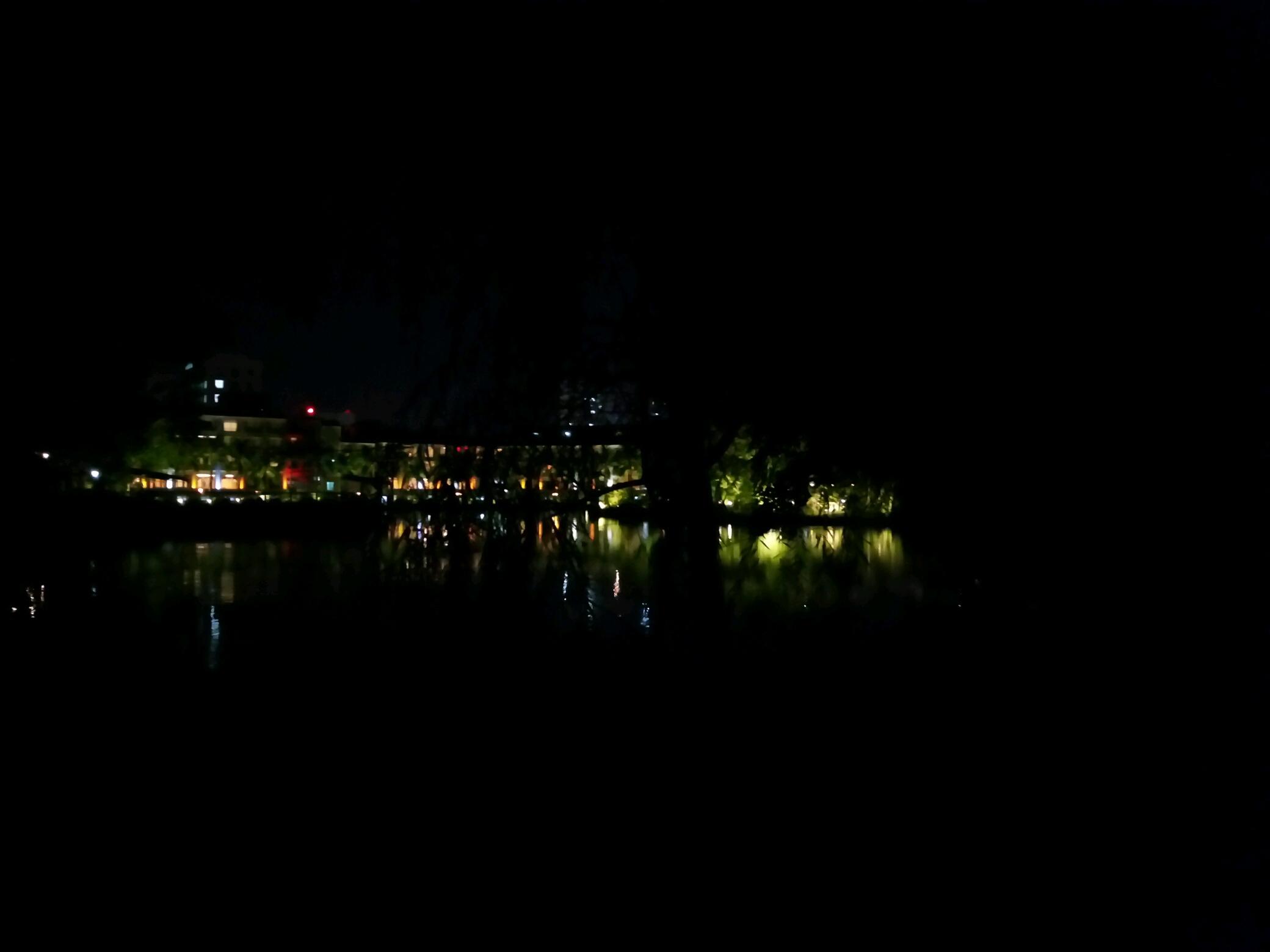 【带着vivo去旅行】夜游揭阳东湖公园