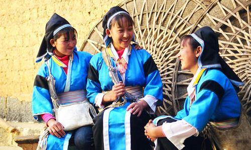 鹤庆白族服饰比赛图片