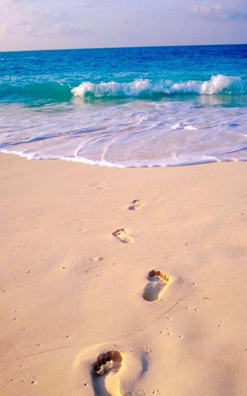 【v粉壁纸】海滩上的脚印手机壁纸