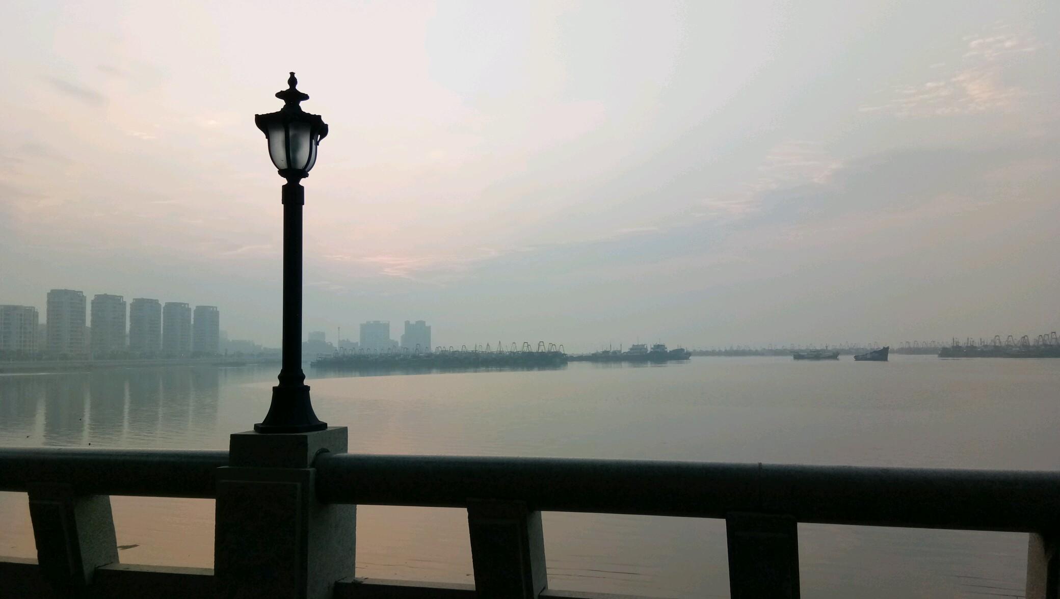 【申请摄影达人】 汕尾海边街的早晨
