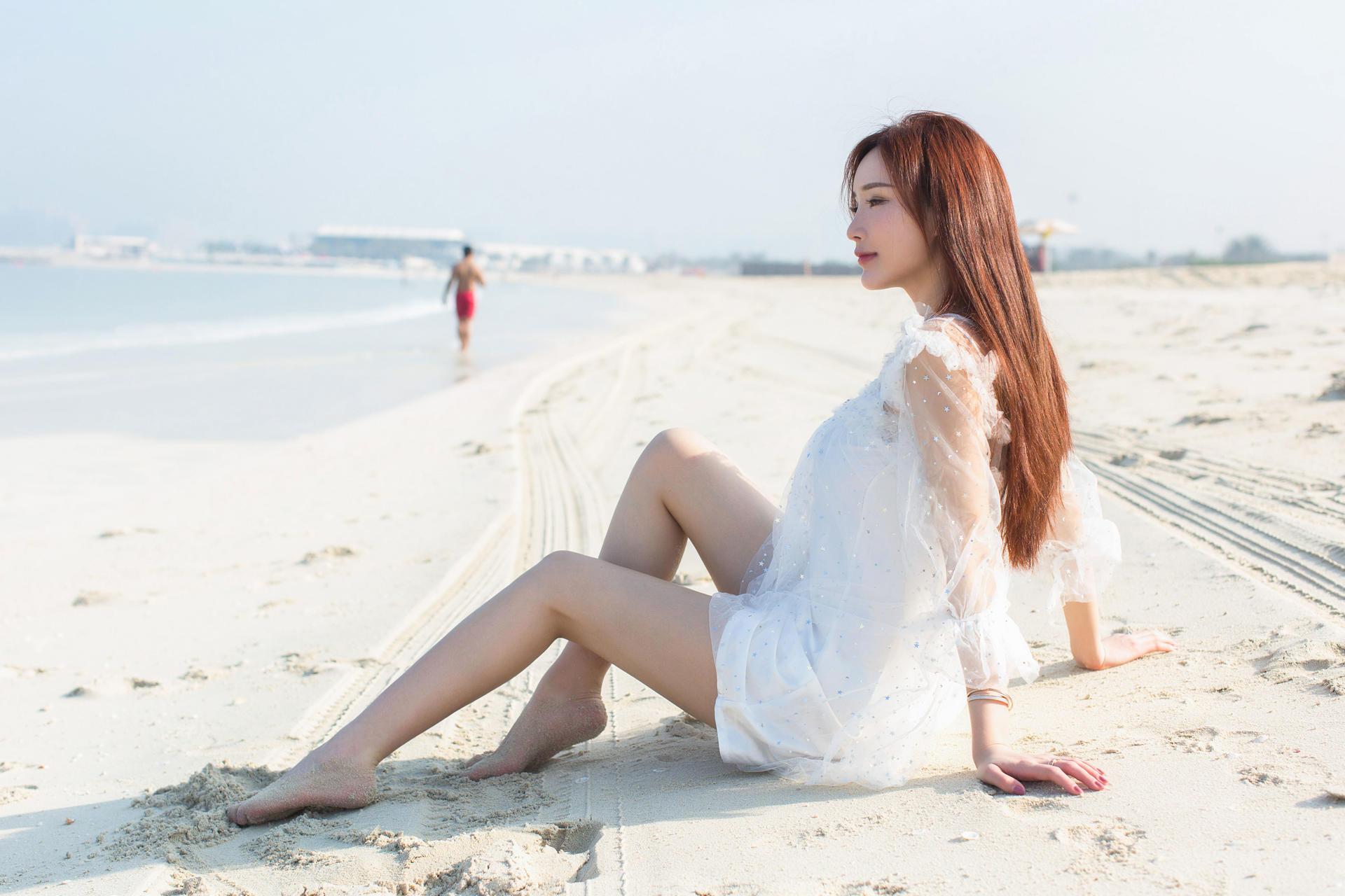 【v粉主题素材壁纸】沙滩白衣美女【8p】