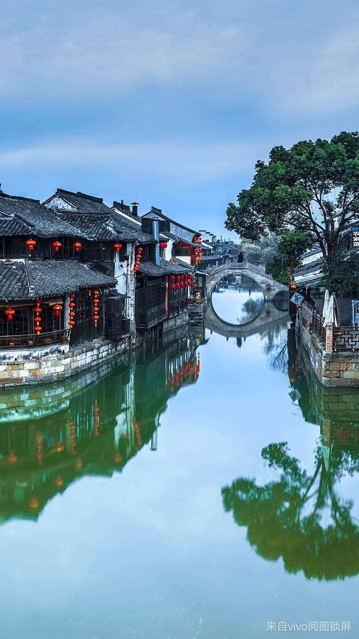 西糖镇位于浙江省嘉善县,是江南六大古镇之一,够感受江南水乡的魅力.