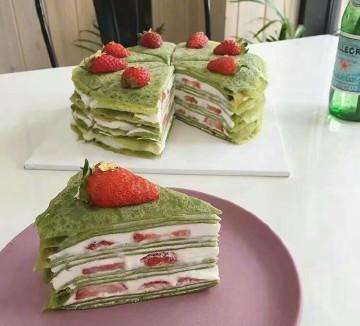 抹茶草莓蛋糕