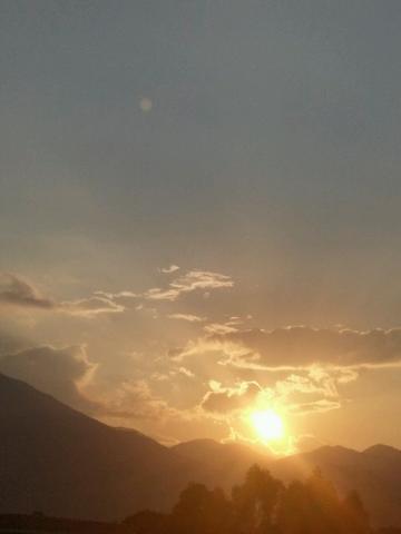 #每日一拍#+夕阳下山,