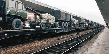 【X20】一列呜笛的火车