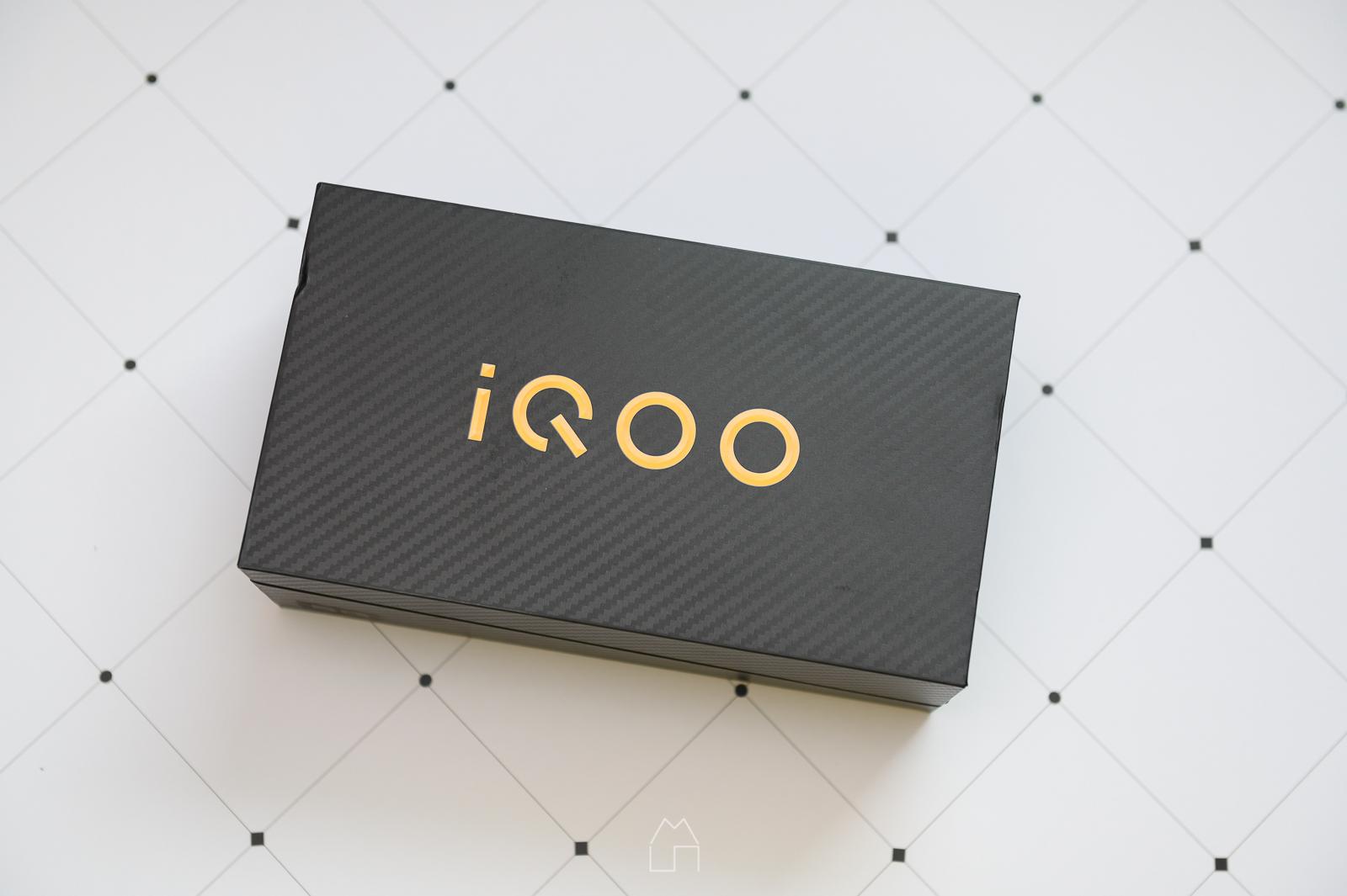 iQOOPro5G-02.jpg