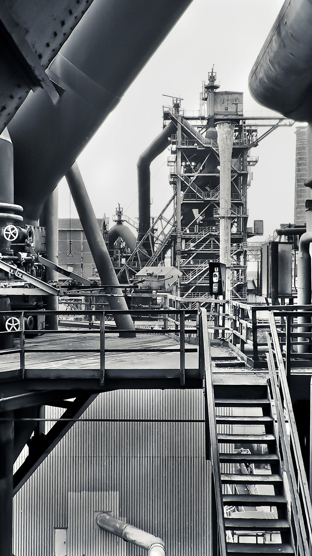 black-and-white-factory-industrial-plant-415945.jpg