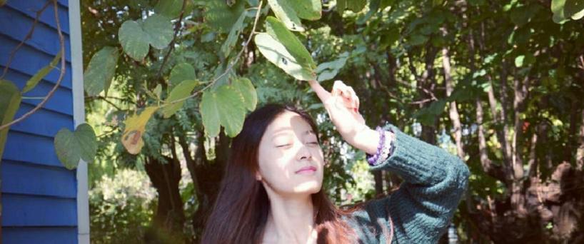 如何用X5Max在赏花时为妹子拍文艺写真