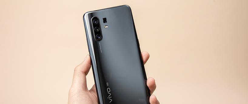 "【X30 Pro评测】手机界的""千里眼"""